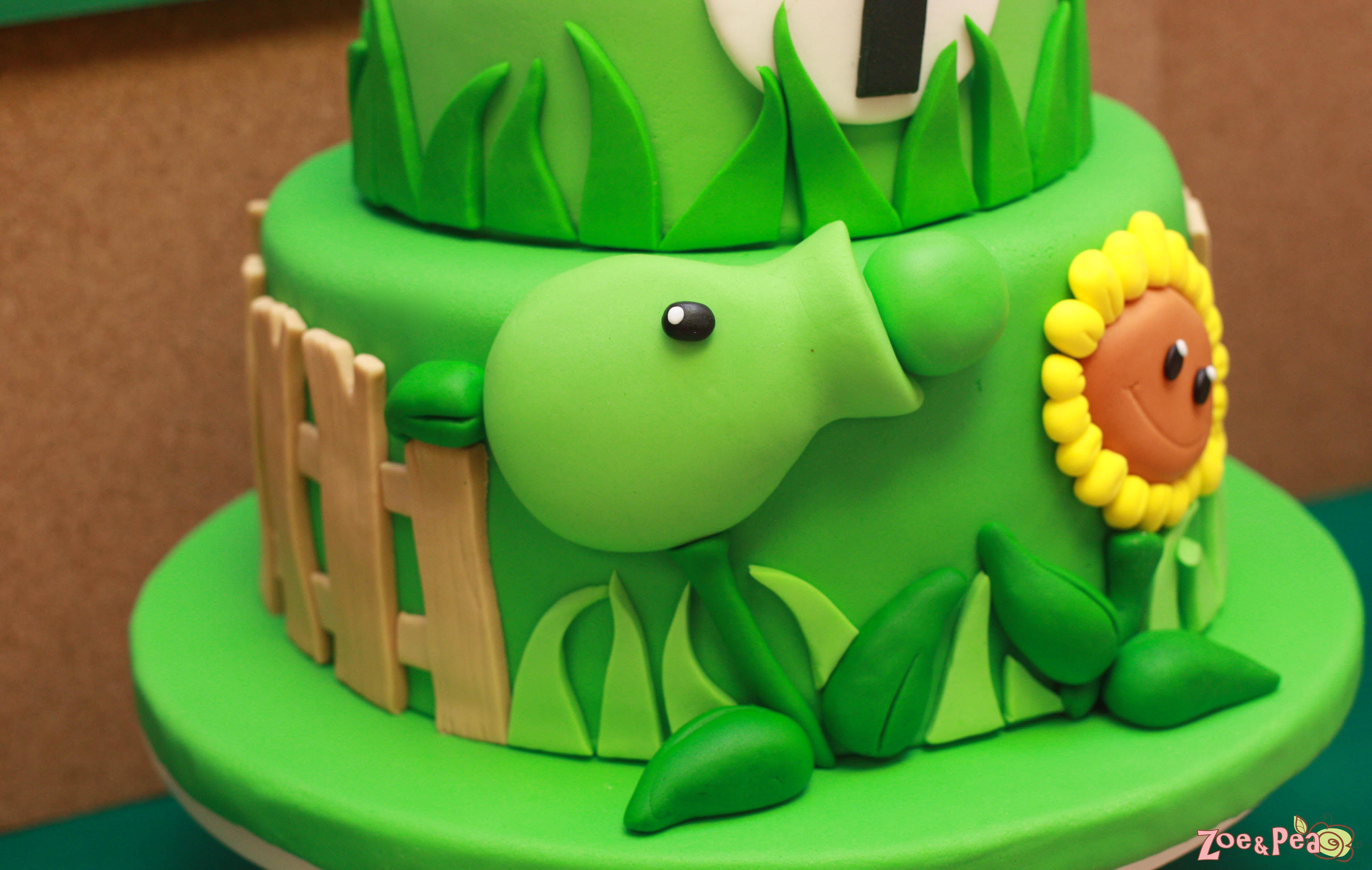 Plants vs zombies birthday zoe pea sweets vs zombies birthday totalgable centerpiece cake side1 lado cake closeup cake cake side of cake voltagebd Image collections